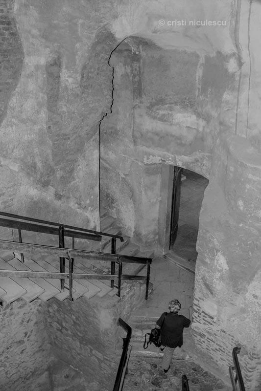 huniazi-stairs