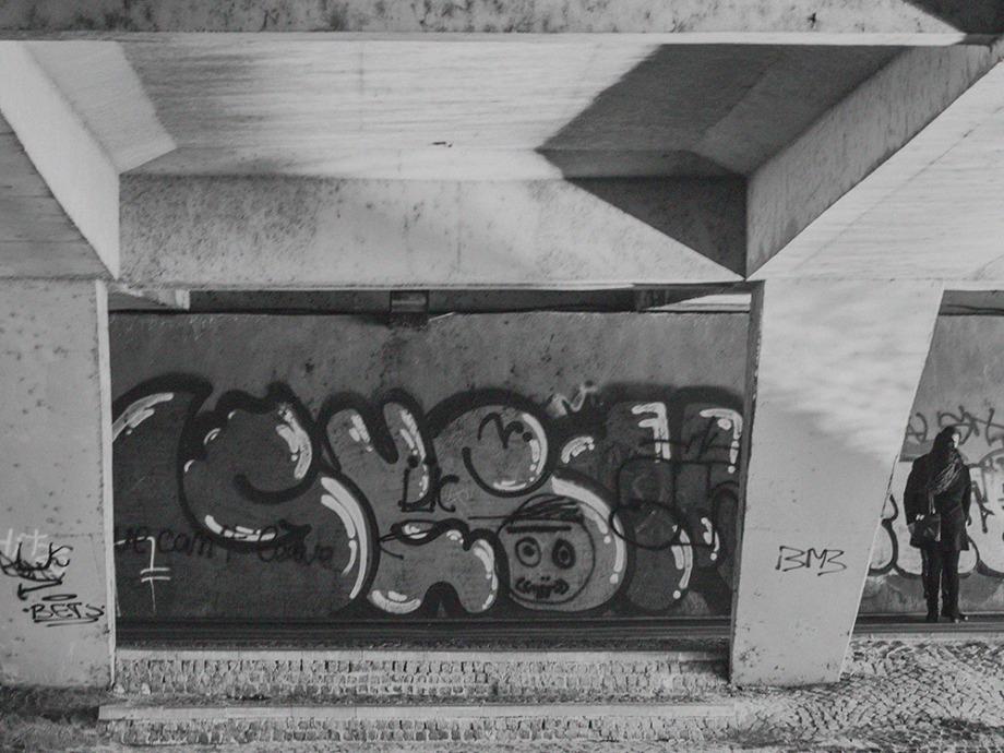 Sarut sub pod